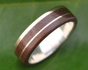Un Lado Asi Wood Ring wood wedding band with by naturalezanica