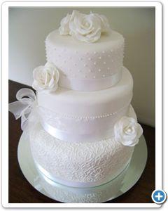 traditionele-witte-bruidstaart