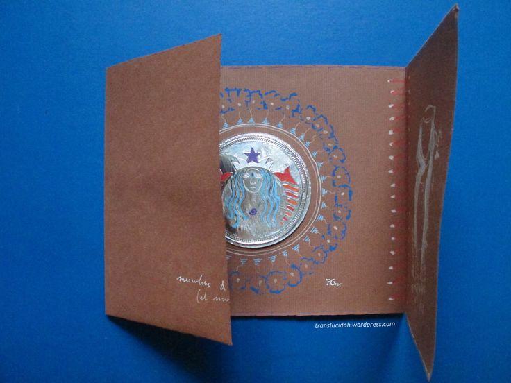 Collage de envoltorio de chocolatinas y rotuladores POSCAs en tríptico (pin 2) Masculino y femenino en el mundo. Sigue en https://translucidoh.wordpress.com/2015/08/17/en-el-mundo-triptico/