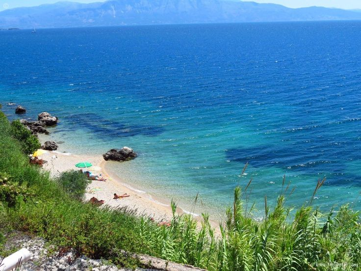secluded beach in Perigiali - small and quiet seaside resort - Lefkada