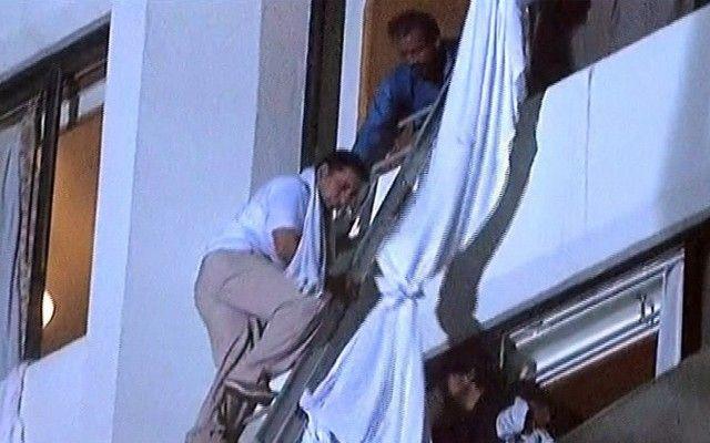 Πυρκαγιά με 11 νεκρούς σε ξενοδοχείο του Πακιστάν: Έντεκα νεκροί και 70 τραυματίες είναι -μέχρι στιγμής- ο τραγικός απολογισμός από τη…