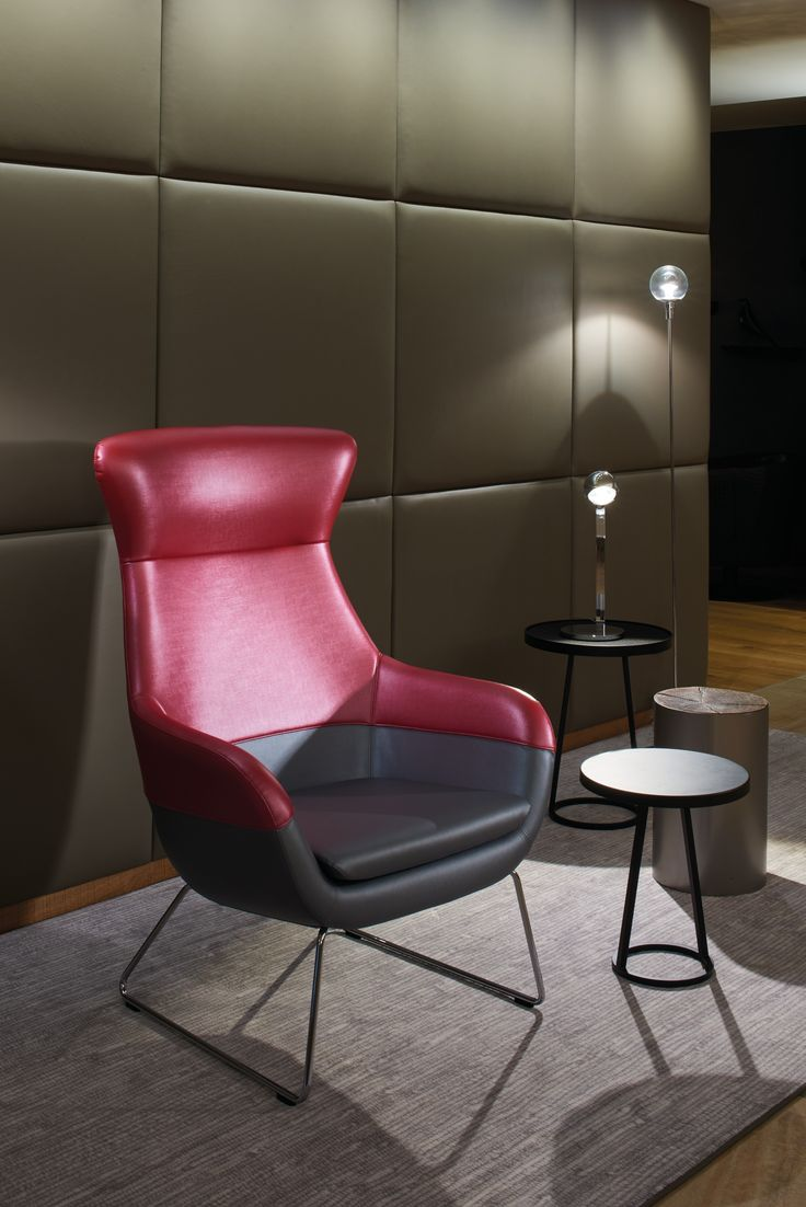Amazing With Its Contrasting Colours Along The High Quality Seams, Crona Lounge  Playfully Brings Two Different Idea