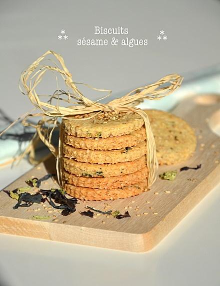 Biscuits santé au sésame et aux algues http://www.lesrecettesdejuliette.fr