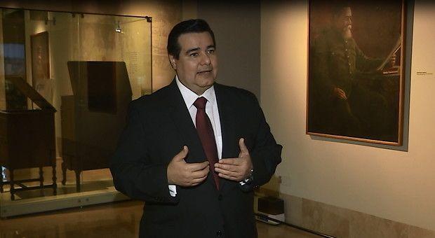 Monterrey, 05 de febrero del 2015.- La Constitución Política de los Estados Unidos Mexicanos ha sufrido más de 200 modificaciones a lo largo de los 98 años que tiene de existencia. Es indispensable conocer esta Carta Magna para poder entender nuestros derechos, además de que este valioso docum...