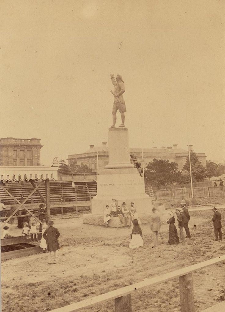 Captain Cook statue,Hyde Park in Sydney in c1879.A♥W