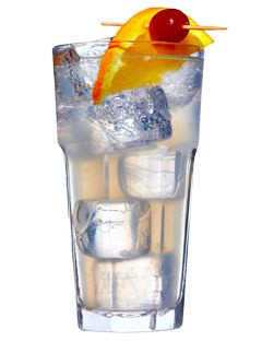 cocktail Tom Collins :  1 CUILLÈRE A CAFÉ DE SUCRE ; JUS DE CITRON ; GIN ; SODA ; 1 TRANCHE DE CITRON ; 1 CERISE A L'EAU DE VIE
