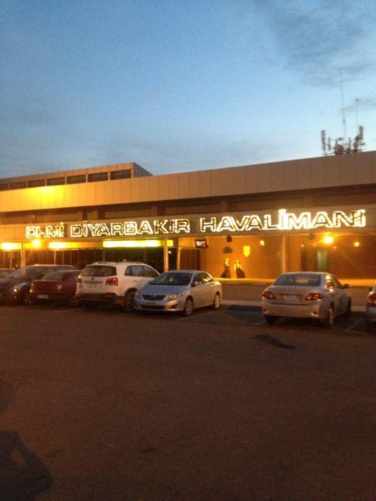Diyarbakır Havalimanı (DIY) şu şehirde: Diyarbakır, Diyarbakır