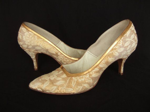 Vintage late 1950s/early 1960s gold brocade  leather shoes by Johansen