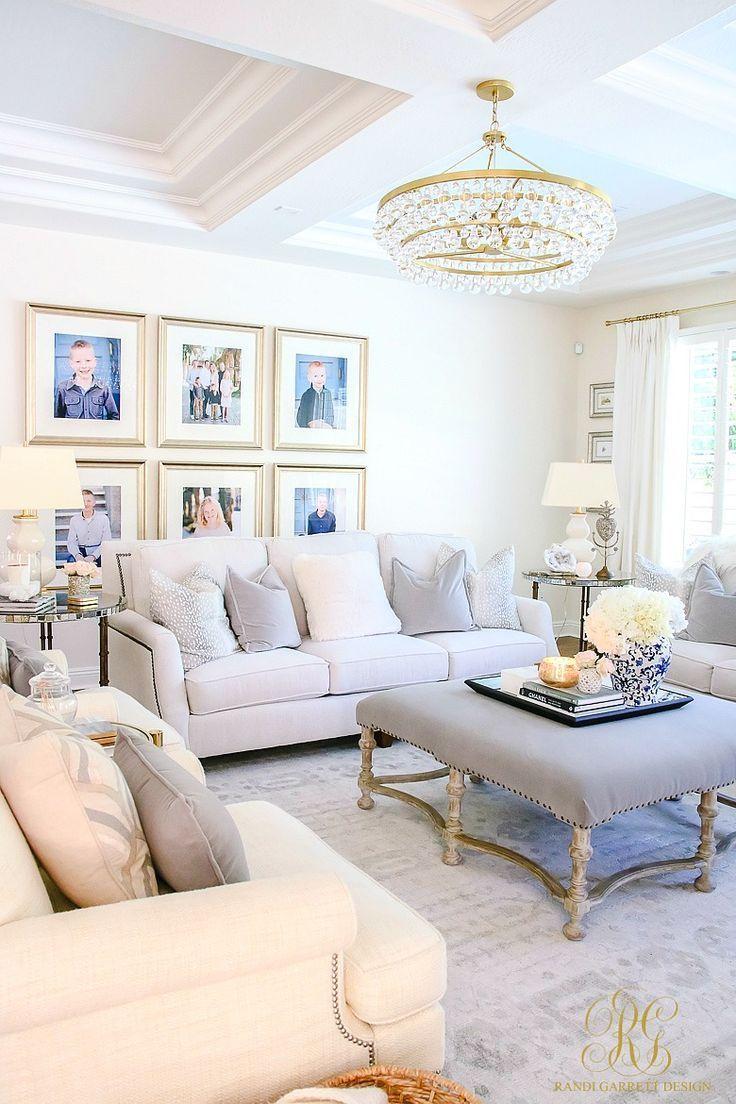 How To Create A Livable Beautiful Family Room Randi Garrett Design Family Pictures Make A Hous Decoration Salon Appartement Mobilier De Salon Meuble Salon