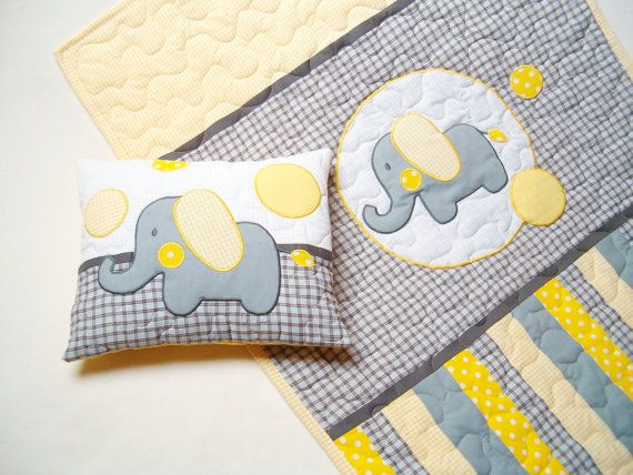 Elephant Blanket in grey yellow and white door Customquiltsbyeva