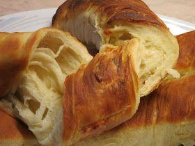 Τυρόπιτα μυρωδάτη στριφτή!!!           Η πίτα είναι από τα πιο αγαπημένα φαγητά της ελληνικής κουζίνας με άπειρες παραλαγές.  Σε κάθε π...