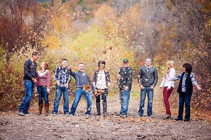 Posh Poses | Family | Fall Fun | Holiday Cards | Different Styles | Candid | Family Love