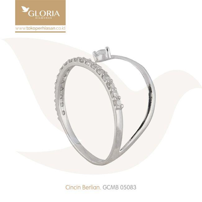Cincin Emas Putih Model Litring Pinggir Lengkung Mata Cubiz Zerconia. #goldring #goldstuff #gold #goldjewelry #jewelry #engagementring #perhiasanemas #cincinemas #tokoperhiasan #tokoemas