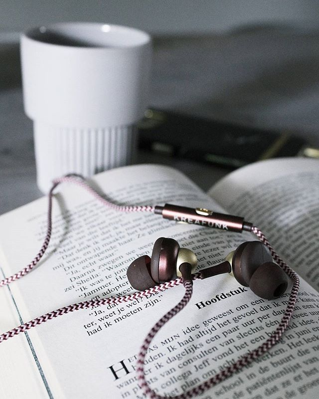 aGEM from KREAFUNK is the ultimate case of fashion meets audio design. These jewellery inspired earplugs make a stylish accessory to any outfit. Listen to music with style! Photo credit: @kaatjecom