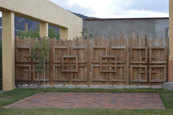 Cerca de madera para tu patio una manera de reciclar - Cercas de madera ...