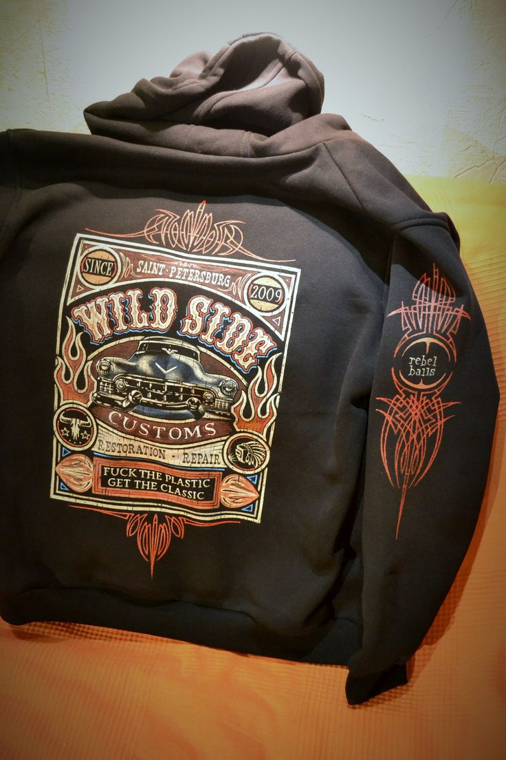 Handpainted clothing from Dmitry GRAFFIX, Saint-Petersburg, Russia. #pinstriping #graffix #kustom #art #handmade #handpaint #paintporn #clothing #design #hotrod #ratrod #rebelballs