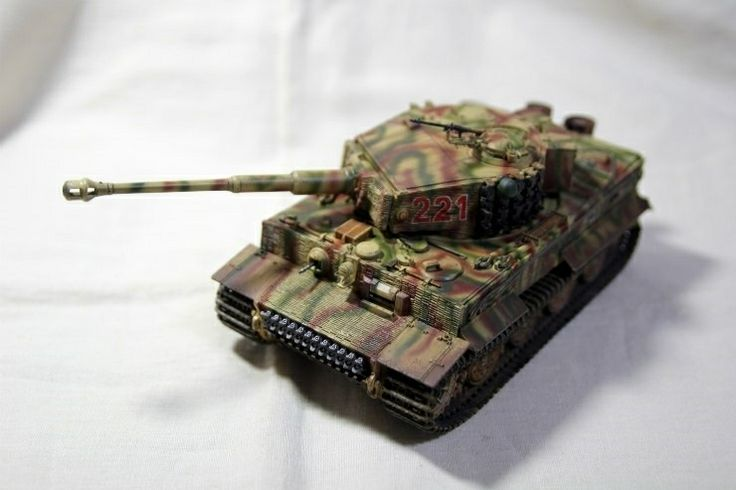 German Heavy Tank Pz.kpfw VI Ausf.E TIGER I Late production Dragon MM made by Lee Juho