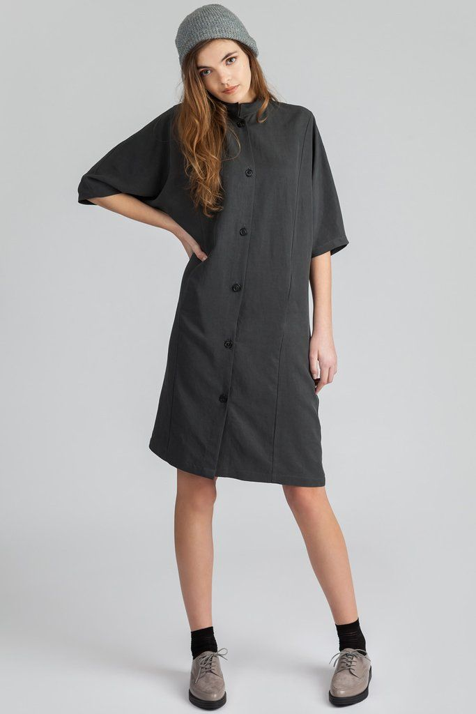 Tercel dolman sleeve dress. Button up with front pockets. Mandarin collar. Knee length. #dolmandress #widesleeve #buttonup #pockets #mandarincollar #kneelength #womensfashion #style #allisonwonderland #pillar #shirtdress #casualdress #summerdress #springdress