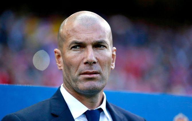 Alors que Kylian Mbappé serait toujours dans le viseur du Real Madrid, Zinedine Zidane assure qu'il n'a pas demandé de nouvel avant-centre à ses dirigeants.