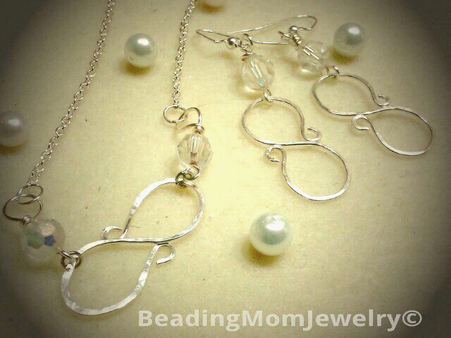 Handmade infinity necklace set