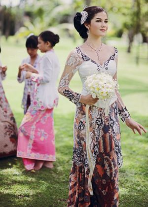 Kebaya white color with black sequins