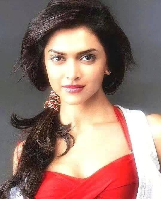 soooooooooooooooo beautiful Deepika and i love u so much Deepika pic.twitter.com/D5j7Xln5tW