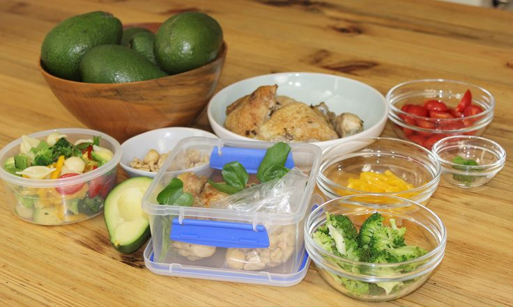 Fresh avo and chicken is the perfect combination for a lunch box.