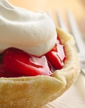 Fresh Strawberry Tarts - super easy, just flip your muffin pan!