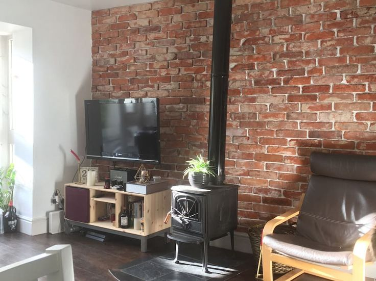 Private room in Dublin, IE. Private room (+ independent private bathroom) in town house with sunny garden, superbly located in a very quiet street in Portobello, seconds away the vibrant Camden quarter with all its pubs, restaurants and boutiques. Stephen's Green, Grafton St...