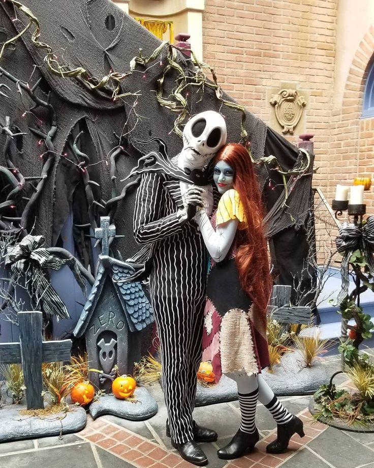 #jackandsally #jackskellington #nightmarebeforechristmas #jack #sally #halloween #christmas #disney #disneyland #neworleanssquare #disneylandresort #instadisney #disneygram #ilovedisney #disneyaddict #simplymeantobe #ragdoll #skeleton #pumpkinking