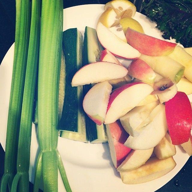 My AM juice : 3 stalks celery 3 small apples 1/2 lemon with peel * love lemon peels 1 large cucumber 1/2 inch ginger Few leaves of Russian Kale