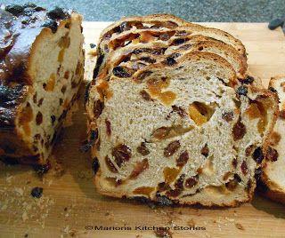 Marions Kitchen Stories: Rozijnenbrood met (  zelfgemaakte ) vanille-essenc...
