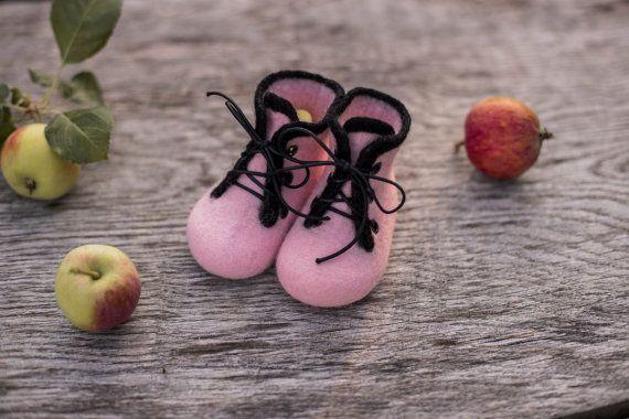 Baby shoes infant girl boots felted baby от AureliaFeltStudio