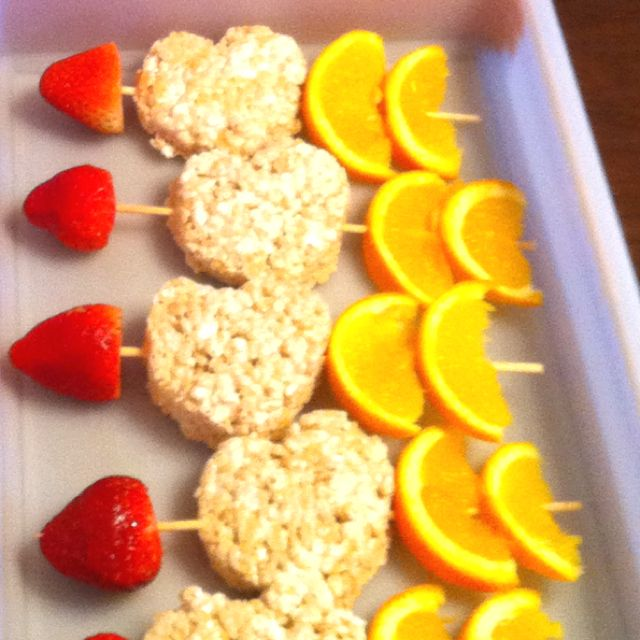 Valentine Snack w/ strawberries, rice krispie treats & orange slices