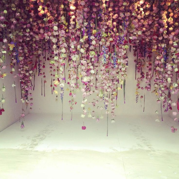 Cascading flowers by Rebecca Louise Law #RHSChelsea, via @Laura Jayson Jayson Ashley.