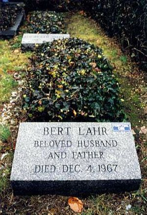 """Bert Lahr (1895 - 1967) He played the Cowardly Lion in the movie """"The Wizard of Oz"""""""