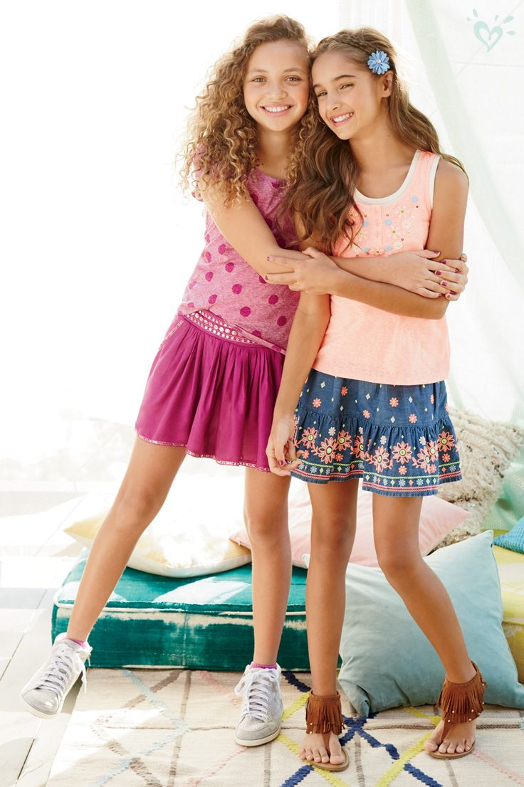 Ranked highly for tween fashion, Rue 21 is a US-based company that allows you to shop catwalk-inspired trends for both guys and girls. They have the hottest fashions for less so you can step out of your house in style.