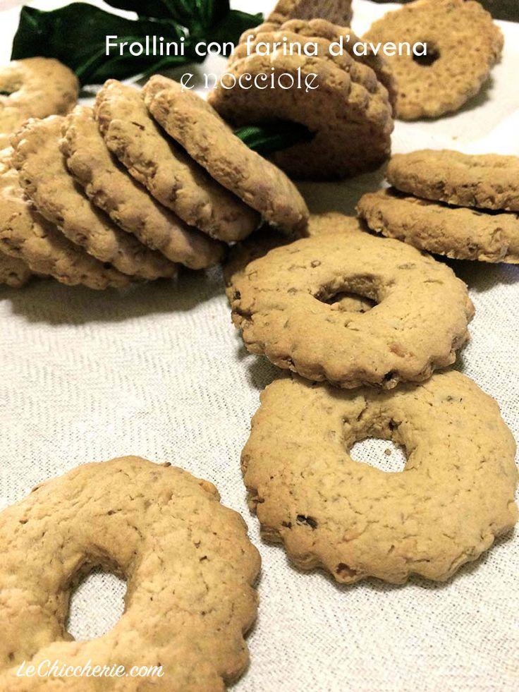 Frollini con farina d'avena e nocciole
