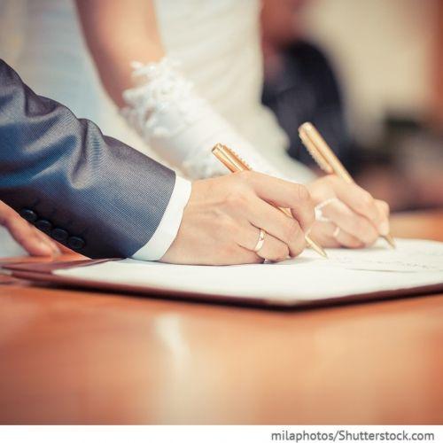 Abschließen eines Ehevertrages