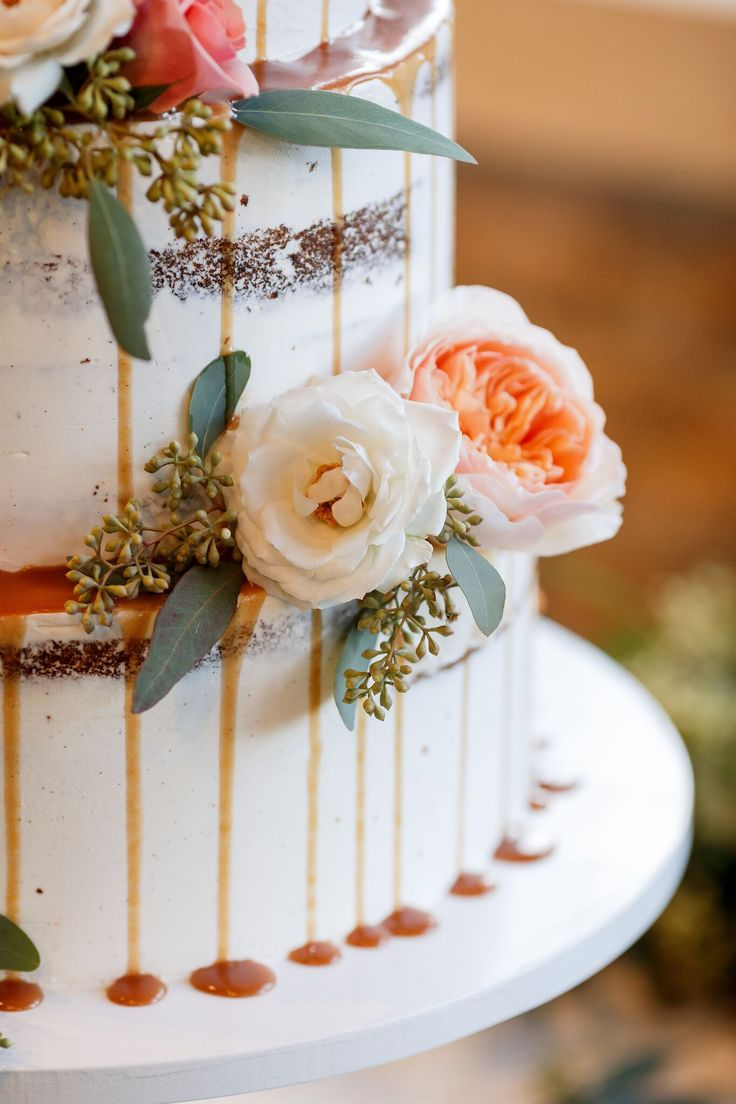 Loving every single detail on this cake! | Sacred Oaks | Whim Florals | 36th Street Events | ILD Lighting | My Event is the Bomb | Jenny DeMarco Photography | Camp Lucy | Wedding Venue | Destination Weddings | Hill Country | Weddings | Wedding Inspiration |