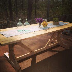 Old Glass Bottle: Fancy Farmhouse Table DIY