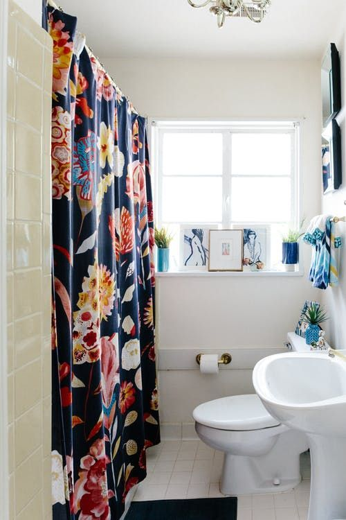 apartment bathrooms ideas yellow 20 reversible ideas to overhaul your rental bathroom now apartment therapy