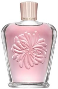 The prettiest nail polish remover from Paul & Joe  http://www.beautyland.co.uk/shop/nail-enamel-remover/