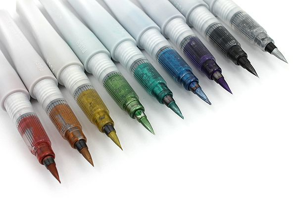 Kuretake Zig Wink of Luna Metallic Brush Pen. Remember the Zig Wink of Stella Glitter Brush Pens? This is the metallic version!