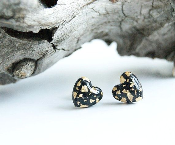 Black heart studs earrings with gold flakes by InviolaJewerly