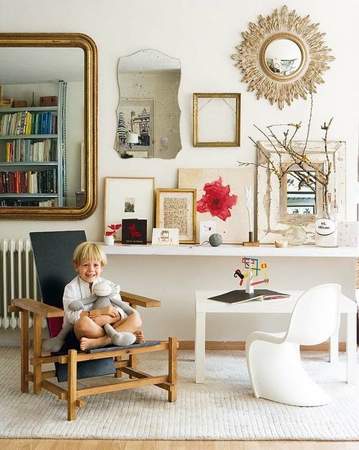 nice look with table and wall. Child size table and chair are nice additons here too
