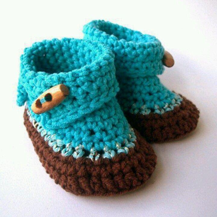 Patucos bebe,  manualidades para hacer con lana, lino, bambu, seda, algodón ECO en punto o croche. http://www.hullitoys.com/107-manualidades-waldorf