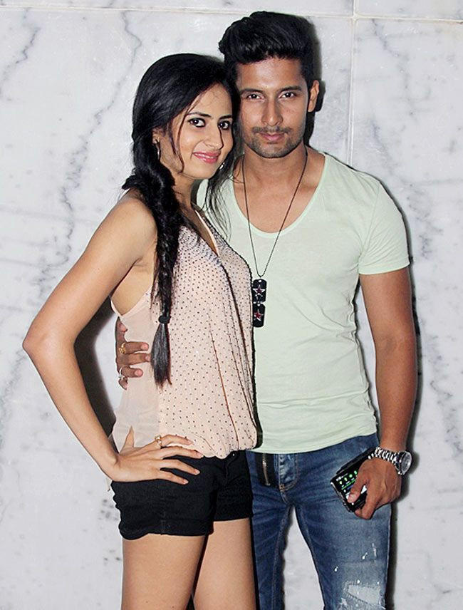 Ravi Dubey with Sargun Mehta at the 100 episode celebration of Comedy Nights With Kapil. #Style #Bollywood #Fashion #Beauty