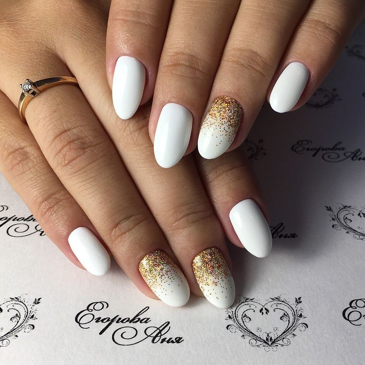 Autumn nails with leaves, Fall nails 2016, Gel polish on the nails oval, Glitter nails, Nails for autumn dress, October nails, Oval nails, White nail art