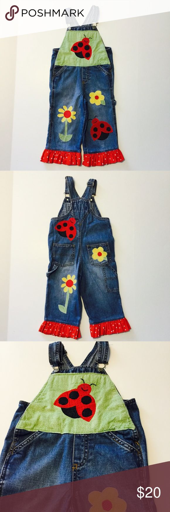 Old Navy Girls overalls 3T This is an EUC pair of overalls. Brand is Old Navy, they are decorated with lady bugs, flowers and have a ruffled hem at the leg. Old Navy Bottoms Overalls